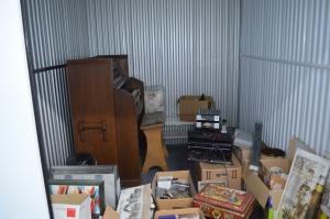Klavier in Lagerbox