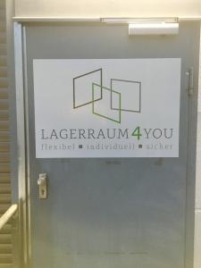 Lagerraum4you Velbert Nebeneingangstür Hof
